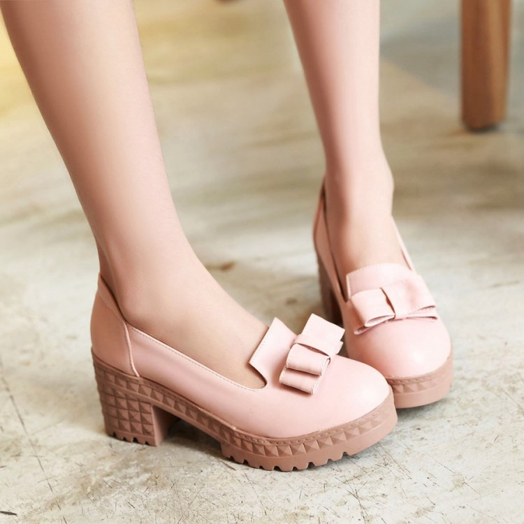 Female round toe square heel pump shoes