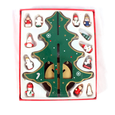 Christmas window display decorations dress Wooden Christmas ornaments trumpet gift gift