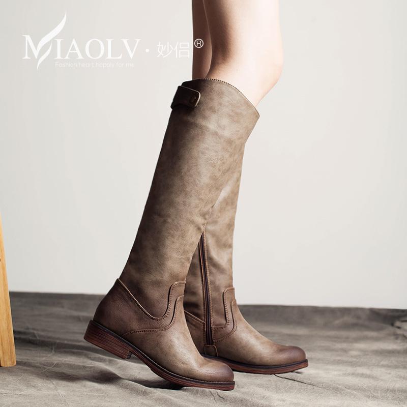 最时尚的女士长靴新款