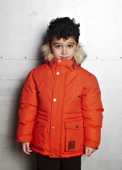 橘红大衣搭配图片