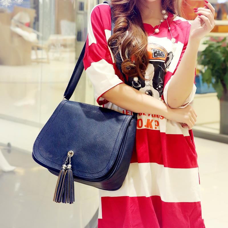 韩版时尚女士包包单肩包斜挎包背包小方包简单复古青年款潮流女包