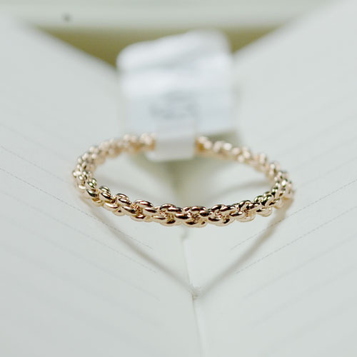 Genuine 18K rose gold plated twist Ny same paragraph in the joint