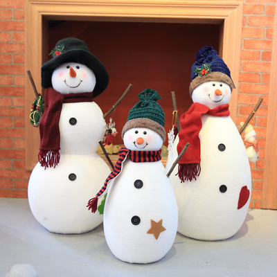 Qixuan Christmas decorations Christmas snowman doll a large shopping mall three bar scene layout