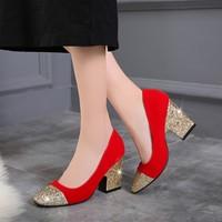 新款方跟绒面大红色婚鞋浅口尖头亮片女鞋子大码婚庆敬酒新娘单鞋
