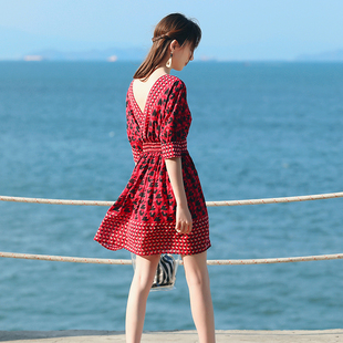 海边度假沙滩裙女夏露背雪纺中长裙民族风教师连衣裙泰国旅游短裙