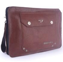 意大利时尚名品头层牛皮休闲手提包 Apple平板电脑保护包男包包 价格:199.00