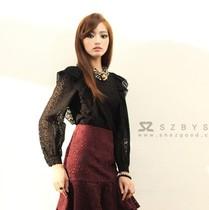 2013秋装 新 韩国代购SZ 甜美气质镂空花纹时尚显瘦长袖衬衫 价格:1080.00