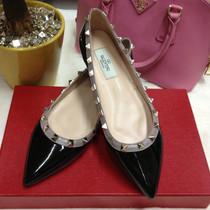 复古英伦风平底鞋valentino华伦天奴铆钉尖头 平底鞋女士单鞋凉鞋 价格:380.00