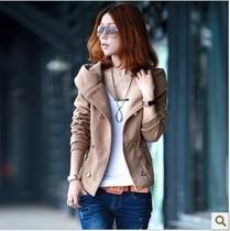 唯森推荐女装新款秋装装双排扣短外套短款女士连帽毛呢外套 价格:118.00