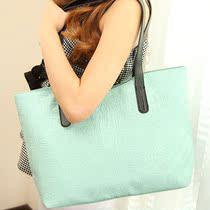 韩版2013夏季新款时尚糖果色复古撞色大包女士单肩包手提女包包潮 价格:39.00