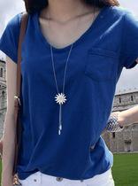 【蘑菇街】夏装新款休闲时尚简约纯色百搭个性V领口袋短袖女T恤女 价格:49.00