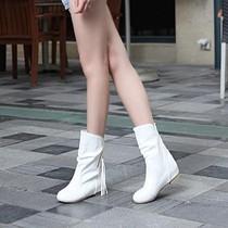 靴子 女 春秋 短靴 平跟 流苏平底 秋季女鞋学生单2013新款白色 价格:43.00