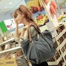 热卖韩版2013新款杂志推荐百搭帆布包超大单肩斜跨包女包包 价格:47.00