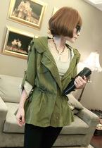 2013秋季新款女装韩版卷袖收腰抽绳风衣下摆中短款带帽工装外套 价格:83.00