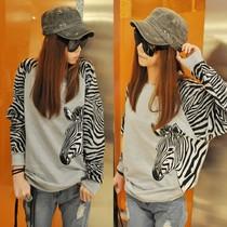 新款女装2013秋冬装韩版宽松加厚蝙蝠袖拼接斑马纹长袖T恤打底衫 价格:33.00
