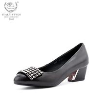 美洲鹰2013年秋季新款 简单舒适尖头水钻平跟单鞋YJ081 价格:280.00