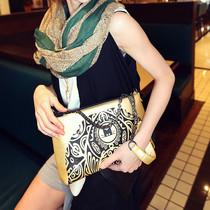 猫猫包袋2013新款秋季潮女复古风印花包斜挎单肩包女包包M36-035 价格:56.00
