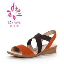 Daphne/达芙妮13年夏新款女鞋1013303011 牛皮松紧布拼牛反毛凉鞋 价格:139.00