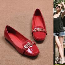 特惠 2013秋季新款女鞋子 韩版华丽漆皮金属链方头平底平跟女单鞋 价格:52.00