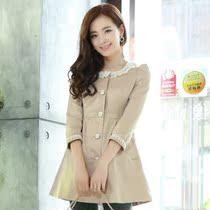 阿依莲2013秋装正品新款韩版朵以七分袖娃娃领蕾丝女式风衣外套女 价格:168.00