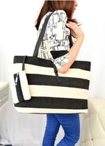 新款上市 潮女黑白条纹单肩大包 手提帆布女包 大容量休闲包包邮 价格:42.00