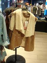 反季特价欧美风 专柜正品 女式修身烫金麂皮超细毛毛堆堆领马甲女 价格:119.00