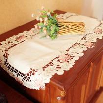 特价 彩色贡缎绣花边镂空刺绣桌旗桌带餐旗装饰巾茶几布桌布 价格:20.00