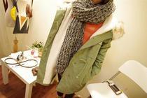 2012冬季女装韩版毛领连帽中长款工装棉衣蝙蝠袖羊羔毛绒棉服外套 价格:68.00