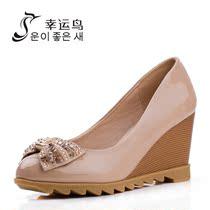 幸运鸟 2013春秋新款漆皮高跟女鞋 甜美水钻蝴蝶结坡跟单鞋 女 价格:149.00
