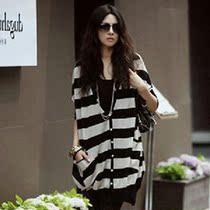 秋季外套女韩版大码女装款黑白条纹针织开衫女春秋装中长款蝙蝠衫 价格:49.00
