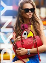 海报款强势再袭!纽约设计师DKNY手提斜挎两用包枕头包 波士顿包 价格:540.00