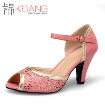 2013夏季新款 卡昂正品 时尚淑女高跟镂空鱼嘴鞋 锥形跟凉鞋子 价格:158.00
