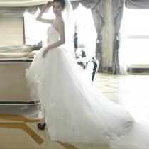 婚纱礼服 2013最新款 韩版甜美修身气质 前短后长小拖尾花朵婚纱 价格:268.00