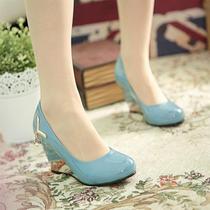 春季新款女鞋甜美漆皮奢华水钻浅口鞋达夫妮坡跟单鞋高跟低帮鞋女 价格:58.48
