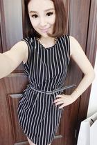 娃娃家 韩国女装新款 条纹竖条显瘦口袋无袖连衣裙配送腰带Q1819 价格:42.00