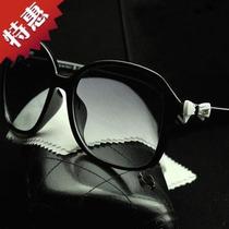 2013新款时尚大框蝴蝶结女士太阳镜小香墨镜防晒遮阳镜精品眼镜盒 价格:22.00