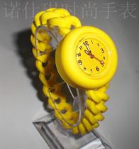 诺仕琪果冻表时尚情侣表男女学生手表韩版可爱个性麻花表带石英表 价格:22.34