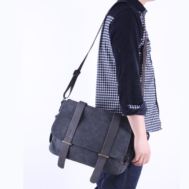 加厚帆布包最新流行款韩版男包潮包斜挎包男士单肩包挎包学生书包 价格:50.00
