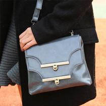 欧美风 双层双排扣光泽感PU皮质背包 拎包 价格:119.00