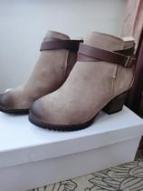 韩国复古百搭擦色磨砂真皮金属扣中跟粗跟骑士马丁靴短靴女靴子 价格:168.00