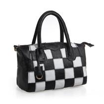 2013新款欧美黑白撞色拼接真皮包包格子笑脸包手提斜跨包蝙蝠女包 价格:168.00
