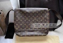2013年新款路易威登香港正品代购LV男包 老花单肩斜跨包 M97038 价格:7990.00