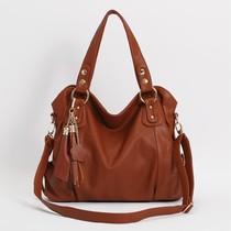 真皮女包 特价2013新款女包 欧美大牌牛皮包包 单肩斜跨包 价格:78.00