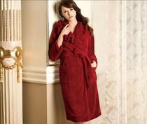 专柜正品安莉芳13年秋冬净色珊瑚绒系列睡袍EL6749 预订 价格:579.00