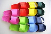 家居拖鞋男女居家情侣拖鞋夏季防滑浴室凉拖鞋韩国塑料拖鞋批发 价格:3.80