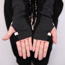 设计师推荐 日着/rizhuo 2013秋装新款 黑色拼接侠客手套 价格:98.00