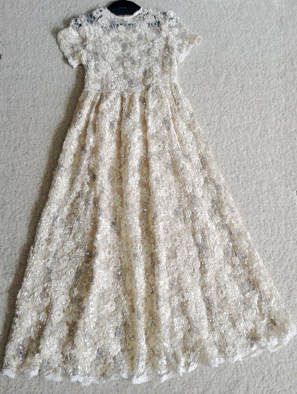 新款包邮 华伦天奴蕾丝绣花订亮片圆领短袖配带收腰长款连衣裙 价格:400.00