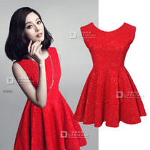 2013秋装新款 明星款甜美浮雕蕾丝加厚大摆无袖正红色连衣裙礼服 价格:168.30