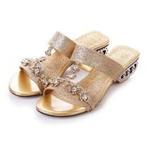 现货大码鞋40-43女水钻扣件方跟中跟罗马凉拖鞋一字拖夏新款包邮 价格:58.00