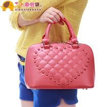 小象包袋 2013新款欧美大牌贝壳包铆钉菱格纹手提斜挎女包潮X1391 价格:79.90